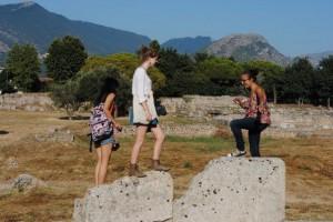 Esplorazione diretta di Paestum (l'antica città greca)